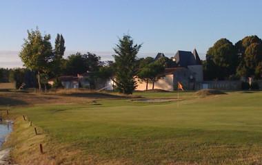 Campo de golf Golf du Château de la Vallade